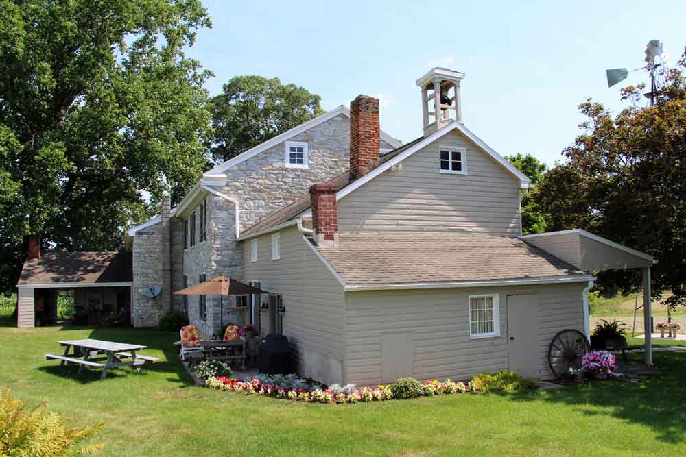 family lodging in Lancaster PA farmhouse